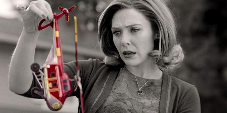 WandaVision-Episode-2-Wanda-Holding-Helicopter